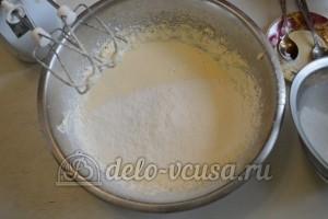 Торт Три молока: Добавить муку