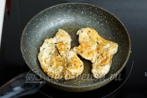 Лаваш с курицей: Курицу обжарить до румяной корочки