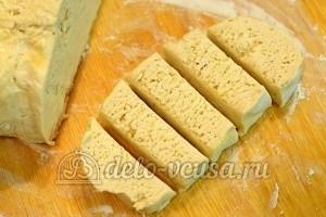 Пирожки с капустой: Разделить на части