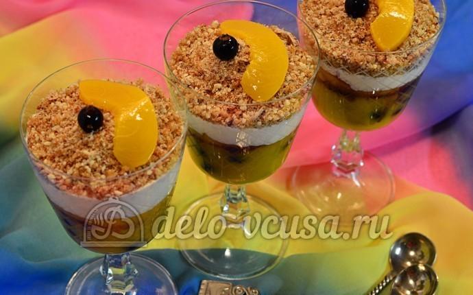 Десерт с консервированными персиками