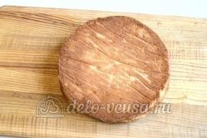Медовый торт со сгущенкой: Корж остудить и разрезать