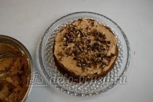 Медовый торт со сгущенкой: Смазать корж кремом