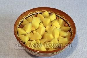 Картофельный суп с курицей: Подготовить картошку