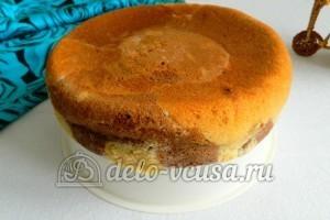 Мраморный кекс в мультиварке: Оставить ненадолго в чаше для остывания
