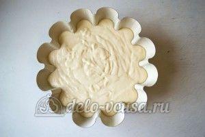 Кекс с орехами: В форму выложить остаток теста