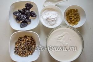 Медовик с черносливом: Подготовить ингредиенты для крема