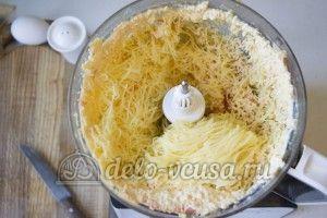 Овощные шарики с сыром: Натереть овощи, сыр и чеснок