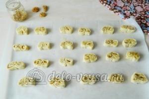 Печенье Медвежьи ушки: Выложить на пергамент