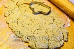 Соленое печенье на майонезе: Раскатать тесто