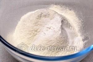 Соленое печенье на майонезе: Добавить соль, соду, крахмал