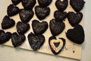 Шоколадное пирожное: Смазать кремом Шарлотт