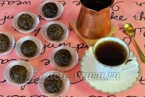 Конфеты из чернослива, орехов и фиников