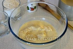 Пшенные дрожжевые блины: Добавить половину молока