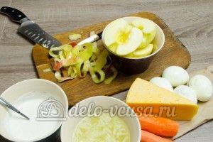 Салат из яблока, моркови и сыра: Яблоки очистить