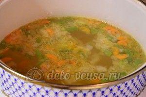 Суп с куриными фрикадельками: Добавить картофель и овощи