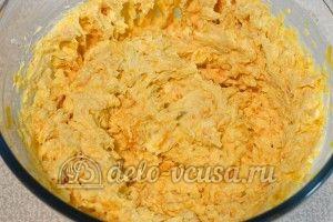Сырники с тыквой: Взбить миксером