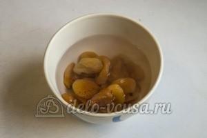 Творожные кейк попсы: Залить курагу водой