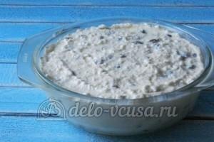 Творожная запеканка с изюмом: Оставить тесто на пол часа