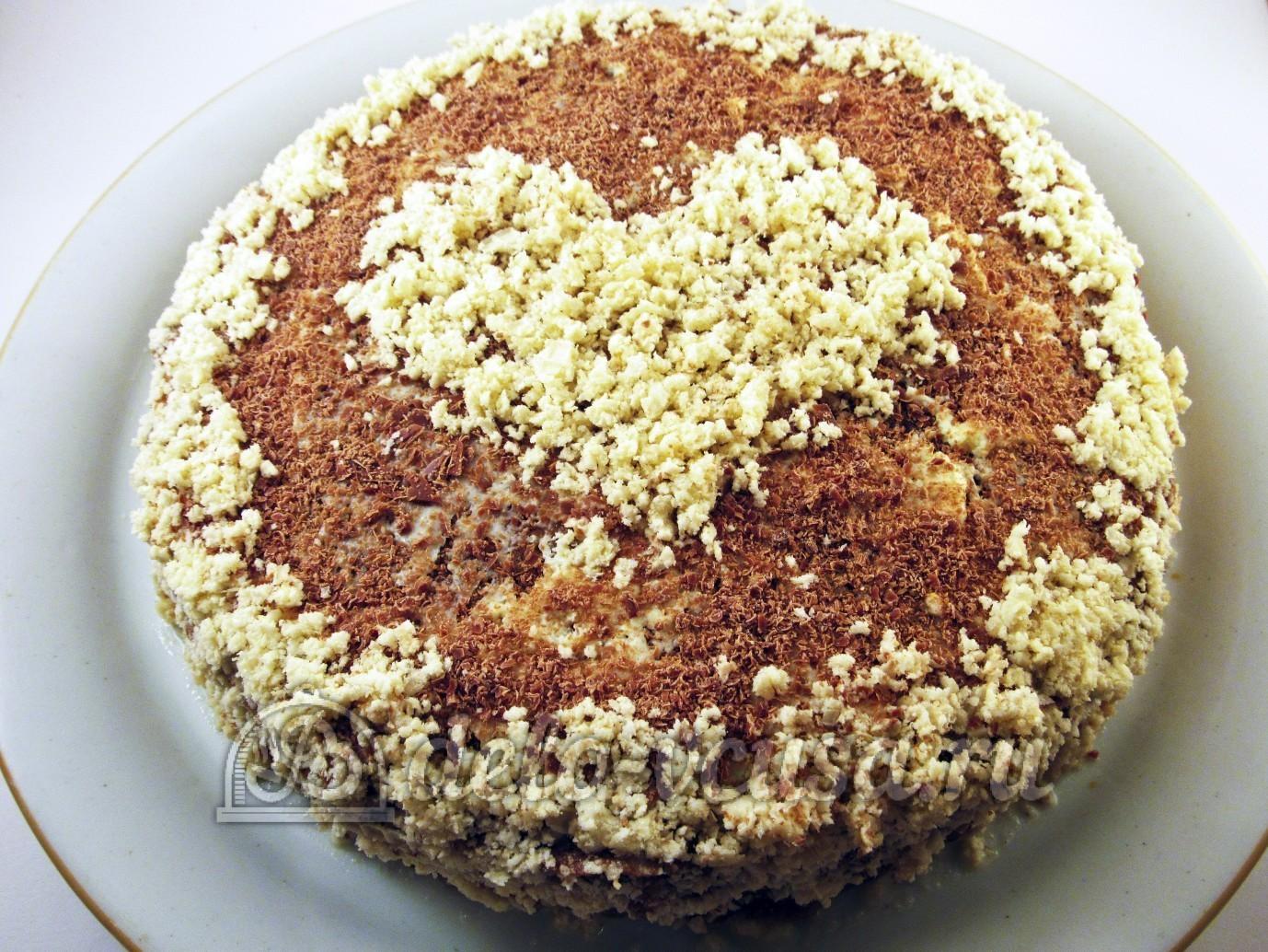 Шоколадный блинный торт: Украшаем блинный торт