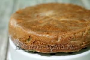 Шарлотка с яблоками в мультиварке: Пирог остудить