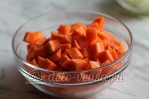 Лагман: Порезать морковь кубиками