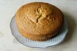 Бисквит с джемом: Сформировать пирог