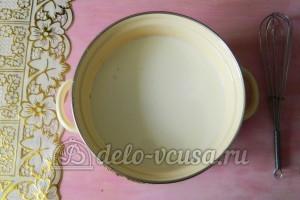 Блинчики с шоколадом: Взбить яйца, сахар, молоко