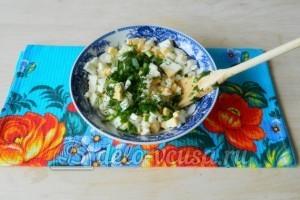 Блины с яйцом и зеленым луком: Готовим начинку для блинов