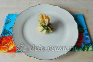 Блины с яйцом и зеленым луком: Формируем мешочки