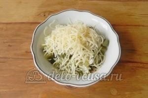 Бутерброды с шампиньонами и сыром: Добавляем натертый сыр
