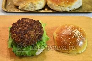 Домашний чизбургер: Добавила котлету