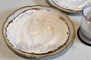 Клубнично-творожный десерт с блинами: Смазать блинчики