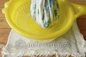Домашний сыр Фета: Подвесить узелок