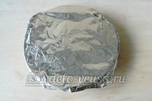 Картофельная запеканка с мясом и грибами: Накрываем фольгой