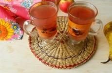 Компот из яблок, груш и ягод