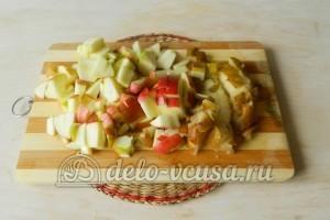 Компот из яблок, груш и ягод : Подготовить яблоки