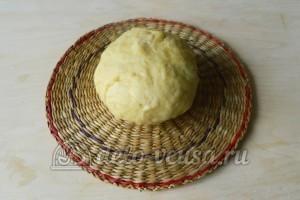 Крымские чебуреки: Разминаем тесто