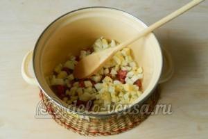 Окрошка на лимонной кислоте: Порезать яйца