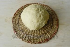 Печеные пирожки с картошкой: Замешиваем руками тесто