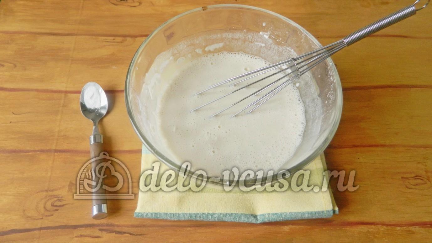 Постные блины на воде: Добавить сахар, ваниль и соль