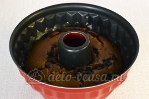 Кекс со смородиной: Отправляем кекс в духовку