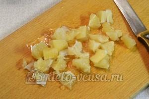 Лимонный рулет с начинкой: Чистим и режем лимоны