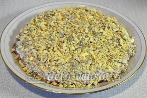 Салат Подсолнух с печенью трески: Желтки яиц натереть 4 слоем