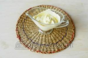 Салат из колбасы, сыра и помидор: Готовим заправку