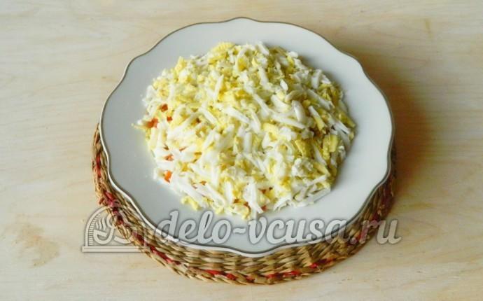 салат из колбасы сыра яиц и помидор