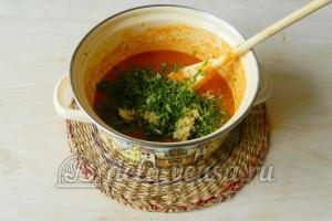 Соус из соленых помидоров: Добавить остальные ингредиенты