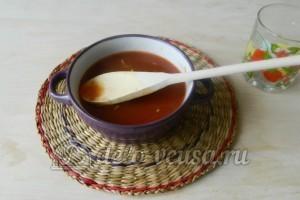 Спагетти с подливой из фарша: Разбавляем смесь водой и перемешиваем
