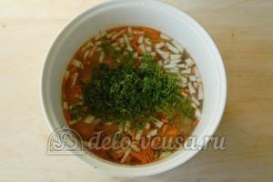 Суп с фрикадельками в мультиварке: Сложить продукты в мультиварку