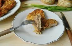 Свиная отбивная с сыром в духовке