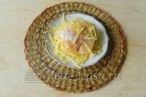Свиная отбивная с сыром в духовке: Трем сыр